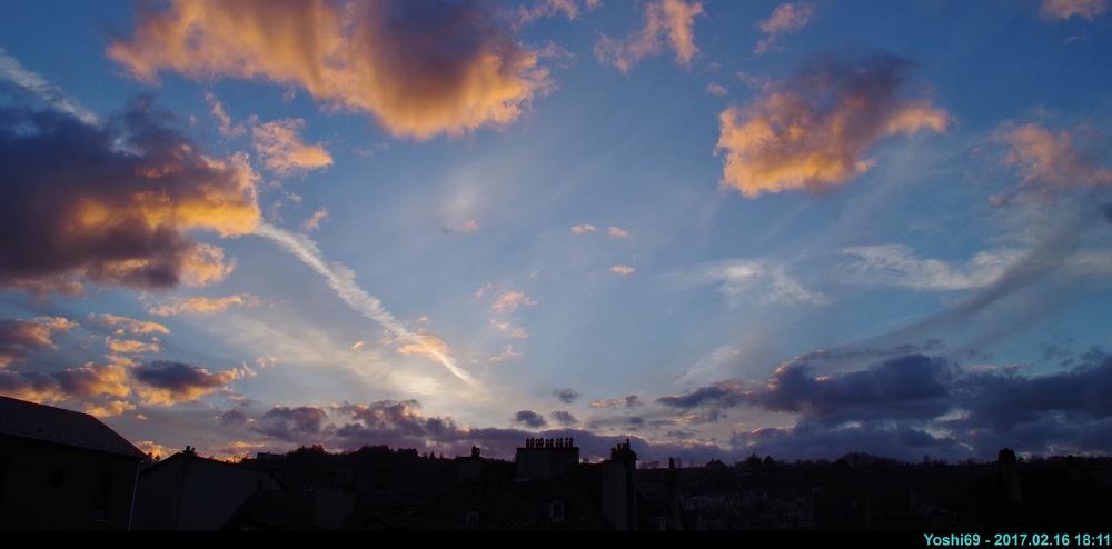 2017 02 16 [004, Cirrus, Coucher du jour, Cumulus, 44°33'10,15''N ; 003°17'35,52''E].JPG