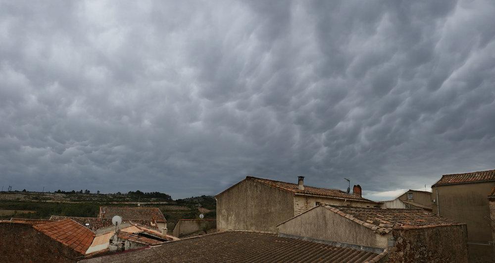 Mammatus sur Cazedarnes 2018-04-02 P20R-20x38.jpg
