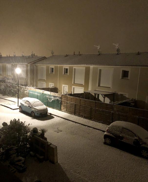 neige191118.thumb.jpg.6a1ad9bc607a6e1dee73da8561c9422c.jpg