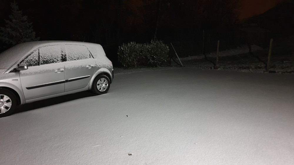 neige2.thumb.jpg.a810a8cd97cb83fd75c40fdbaeb15e25.jpg