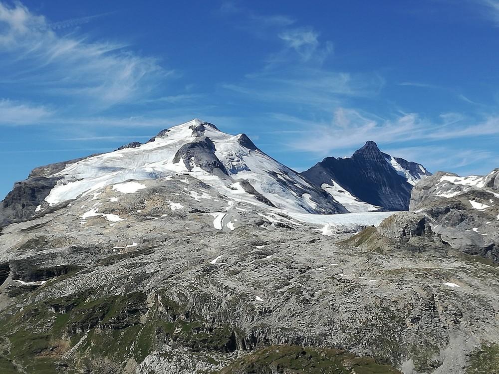 GlacierTignes.thumb.jpg.8d4d4a730c97ca0ee1eb6e6bec8ebda4.jpg