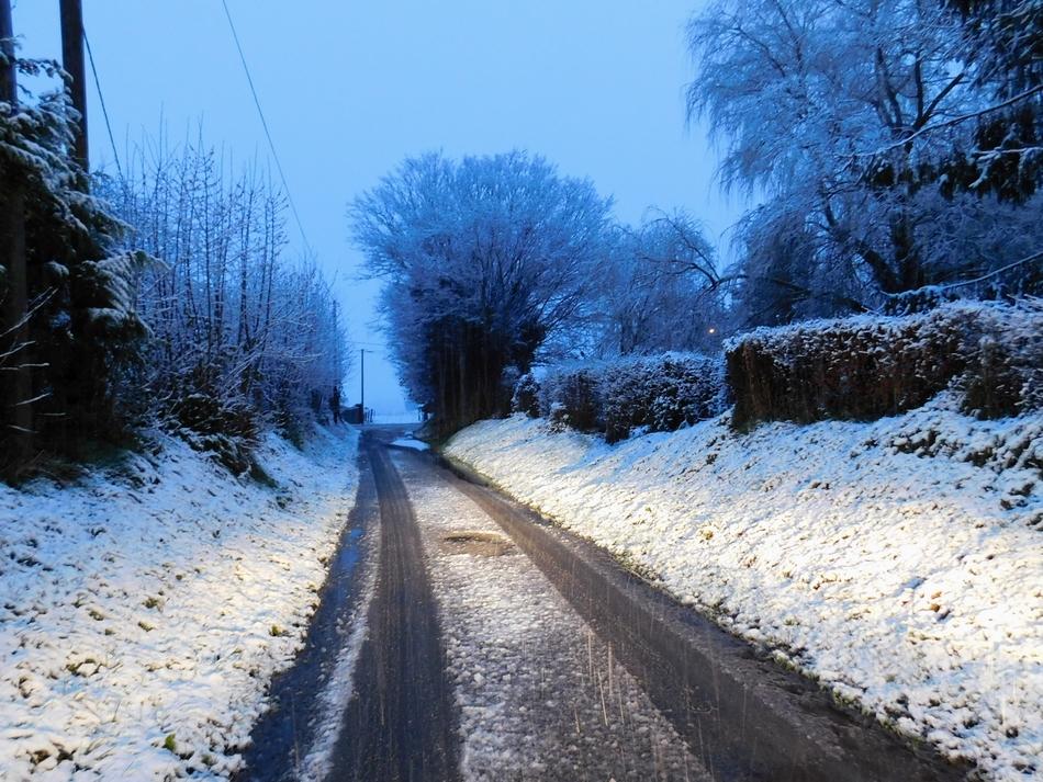 neige6.JPG.e1e4d20c81448c7f022834f15c167ed2.JPG