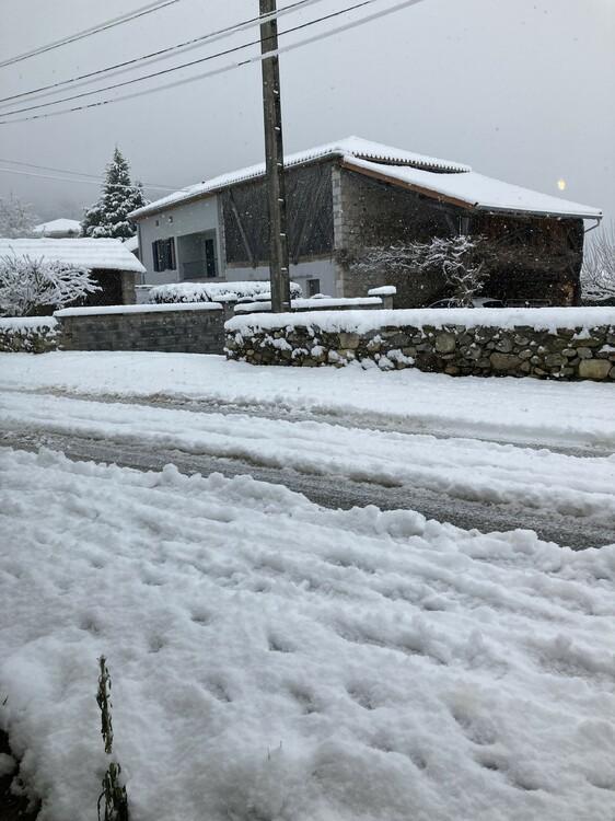 neige14.thumb.jpg.015e7bea4d5543bb2cf15e56d9f647cc.jpg