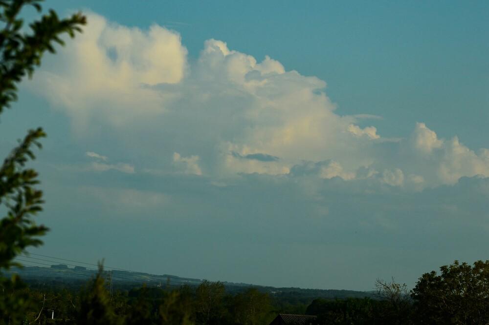 Cumulonimbus en formation 1.jpg